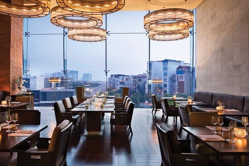 """Nhà hàng sang chảnh ở Sài Gòn như bỏ """"bùa yêu"""" vào trong lòng thực khách"""